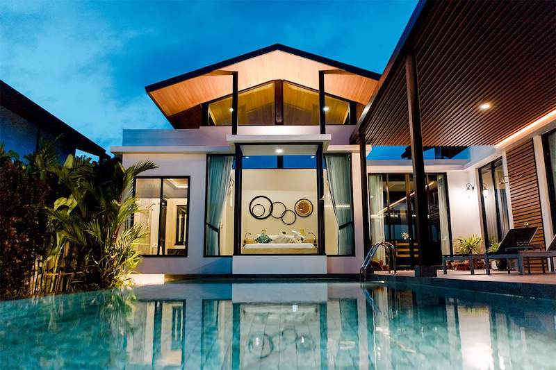 Photo Luxury new pool villa for rent in Nai Harn