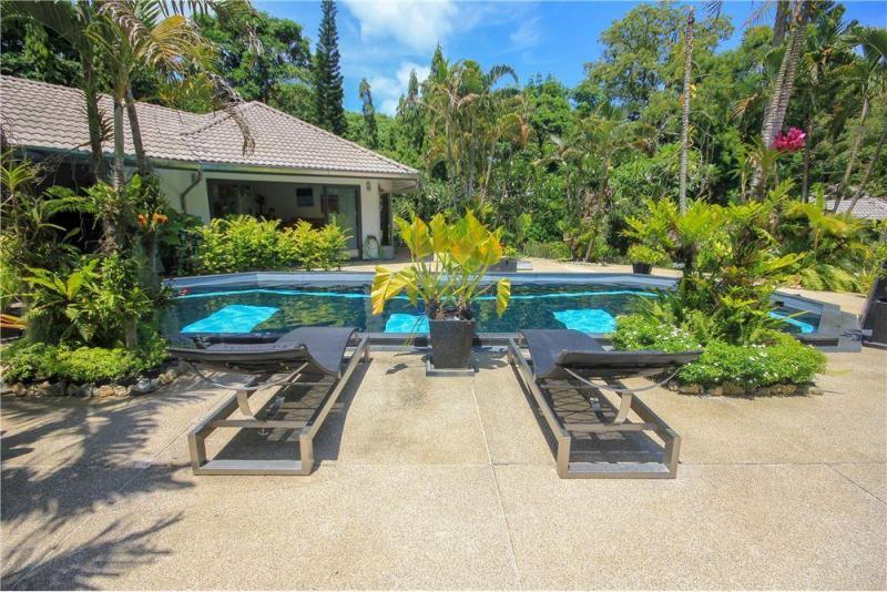Photo Phuket luxury 5 bedroom pool villa near Promthep Cape, Rawai