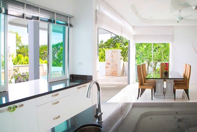 Photo Luxury sea view pool villa for rent in Phuket, Chalong