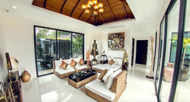 Photo Modern 3 bedroom pool villa for rent or sale in Paklok, Phuket