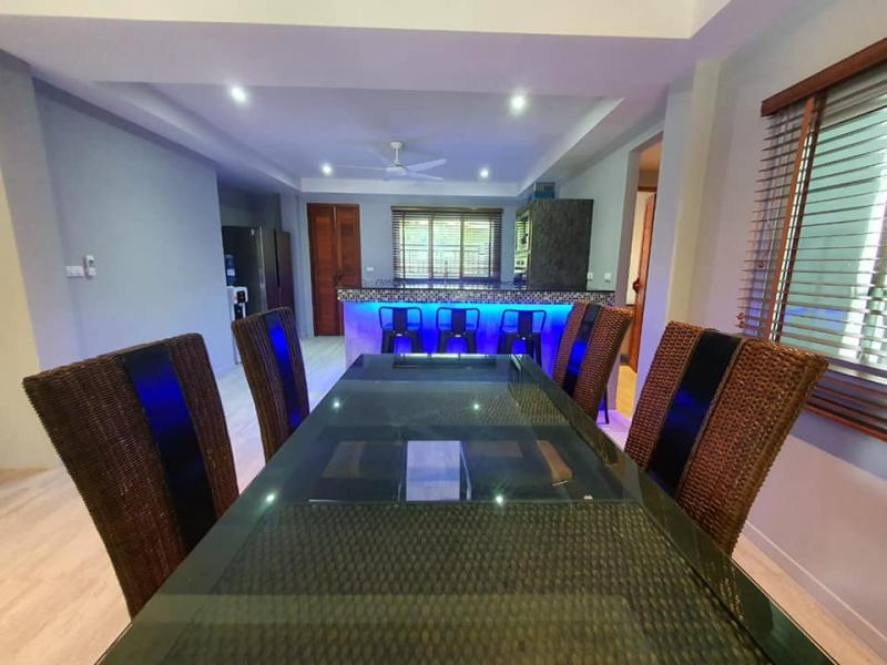 Photo New 4 bedroom villa with pool for sale in Rawai, Phuket