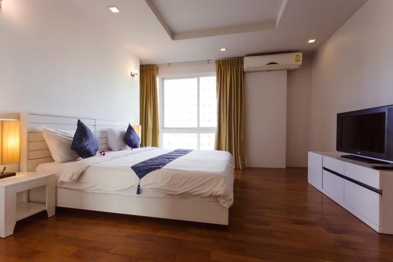 Photo Patong Beach Luxury Spacious 2 Bedroom Condo for Rent