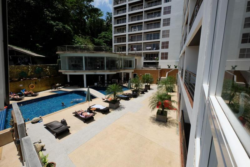 Photo Patong Sea View Studio apartment fully furnished for long term rental-