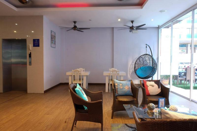 Photo Phuket - 51 Room Pool Hotel For Sale in Patong Prime Location