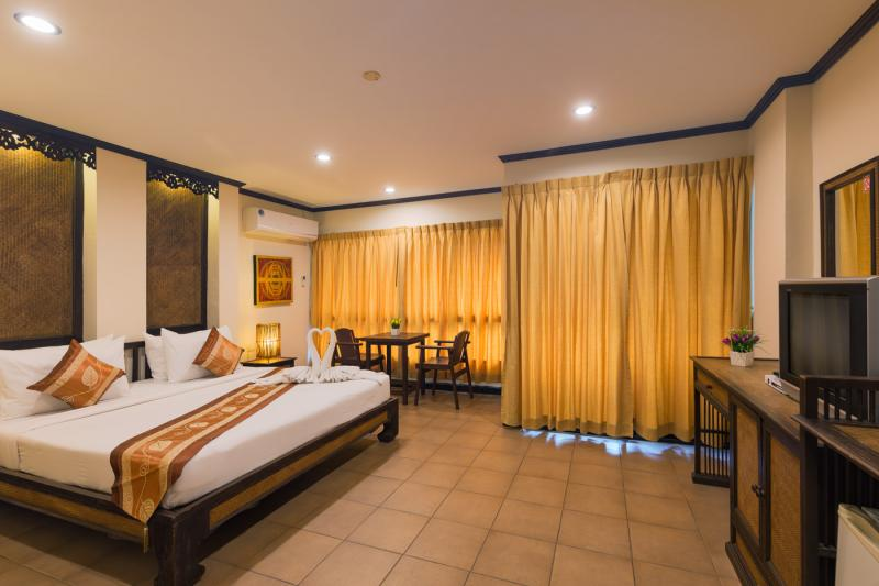 Photo Phuket 56 Bedroom Pool Resort for Lease in Patong