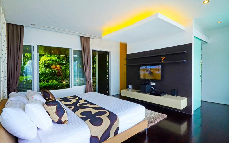 Photo Phuket Beachfront luxury modern villa in Kamala, Millionaire's miles, Phuket, Thailand