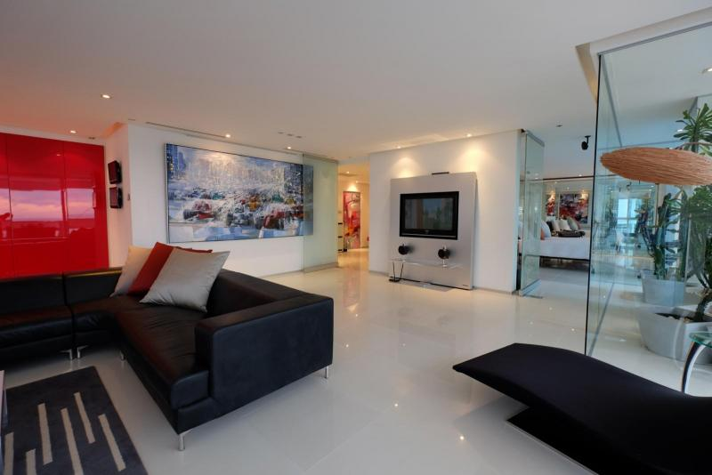 Photo Phuket Best Sea View Luxury Condos for Sale in Patong