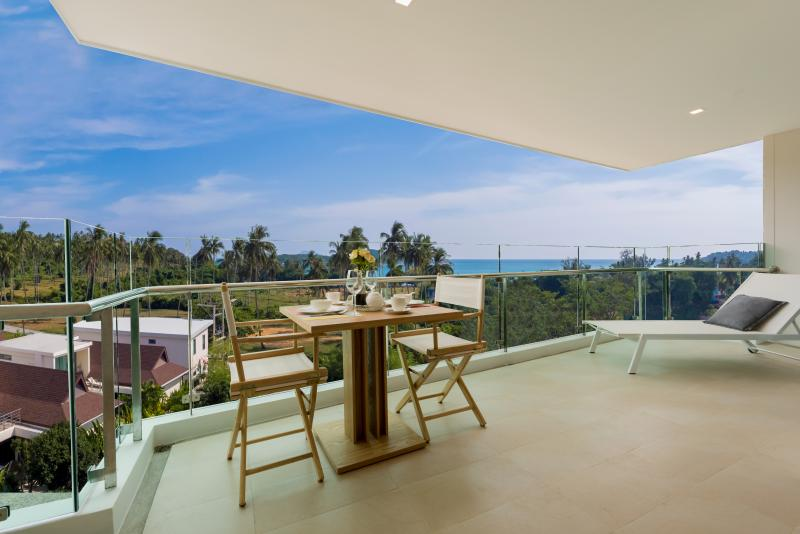 Photo Phuket brand new luxury sea view apartments for sale in Rawai