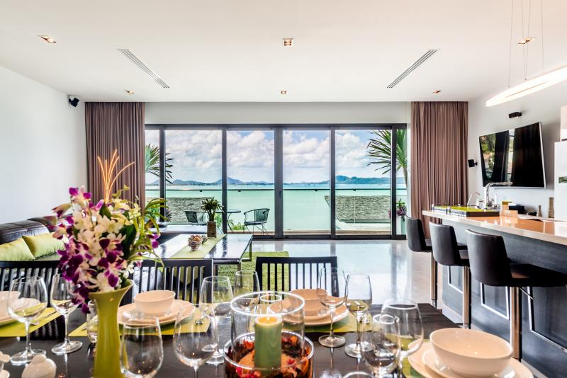 Photo Villa de luxe 4 chambres en bord de mer à louer et à vendre à Rawai, Phuket