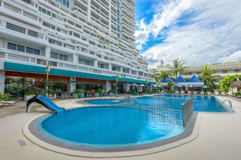 照片独家芭东全海景公寓出售在普吉岛