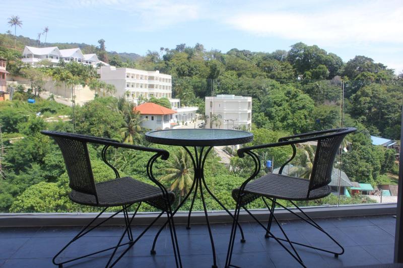 Photo Appartement avec 2 chambres à vendre à Karon Beach avec vue sur la mer