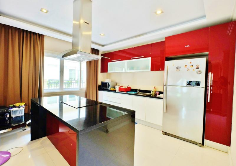 Photo Phuket luxury 2 bedroom pool villa for sale in Phuket Town, Phuket with Chanote