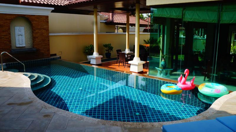Photo Phuket luxury 3 bedroom pool villa for sale in Bang Tao with Chanote