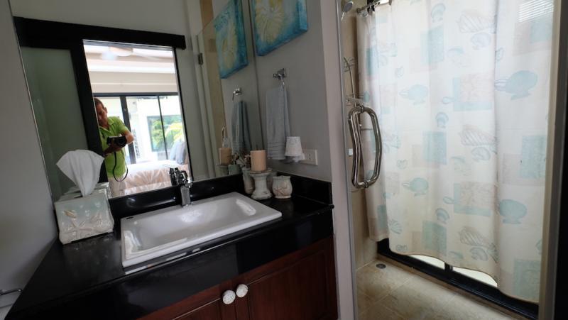 Photo Phuket Luxury 3 bedroom pool villa for sale in Layan