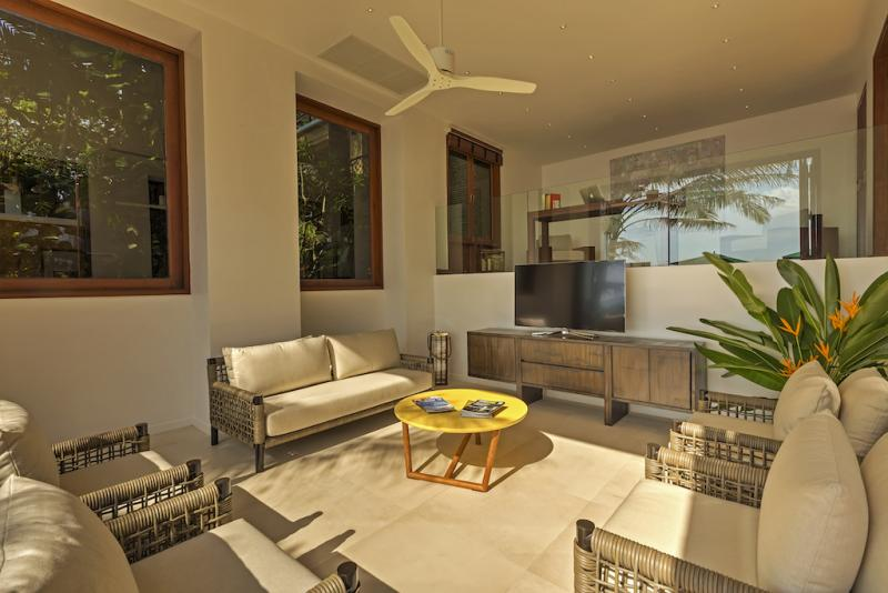 Photo Phuket luxury 8 bedroom Panoramic Sea View Villa for sale in Kata