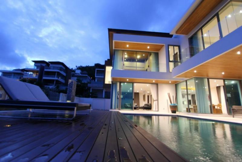 Photo Phuket New Luxury 5 bedroom Pool Villa for Sale - Rawai Phuket