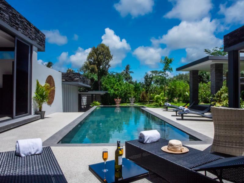 Photo Nouvelles villas de luxe avec piscine à vendre à Layan, Phuket