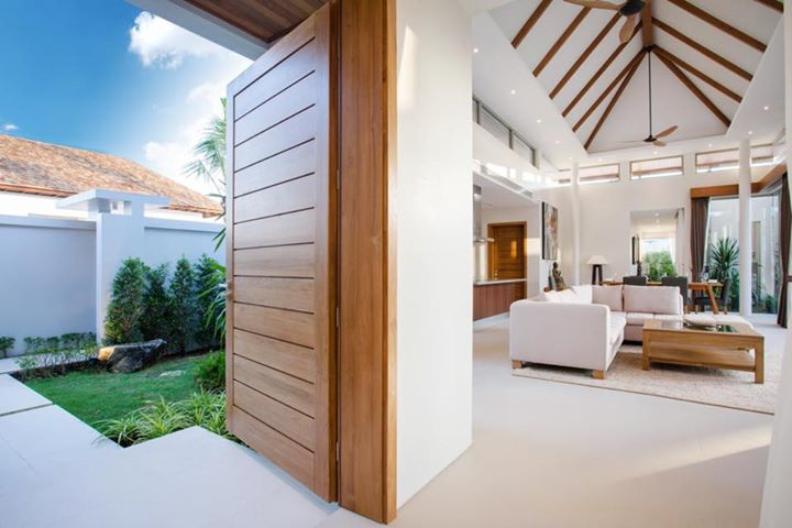 Photo Phuket brand new luxury pool villa for sale in Layan