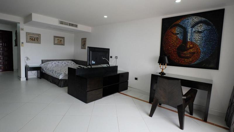 Photo Phuket- Sea View Apartment building for sale in Patong Beach