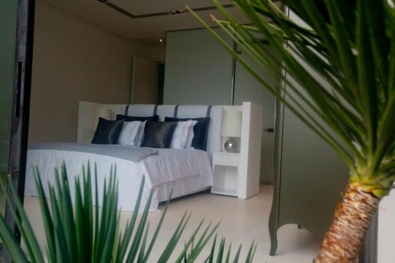 Photo Phuket Stunning Luxury Beachfront Villa for Sale