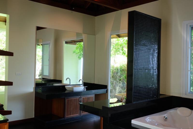 Photo Phuket Unique Luxury full Sea View Villa on Millionaire's Mile