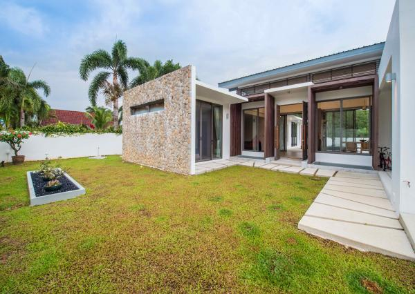 Photo Pool villa Phuket for sale in Thalang area
