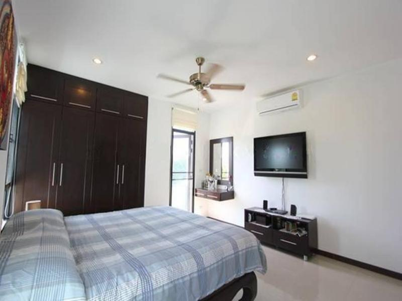 Photo Rawai modern 3 bedroom pool villa for sale-Phuket