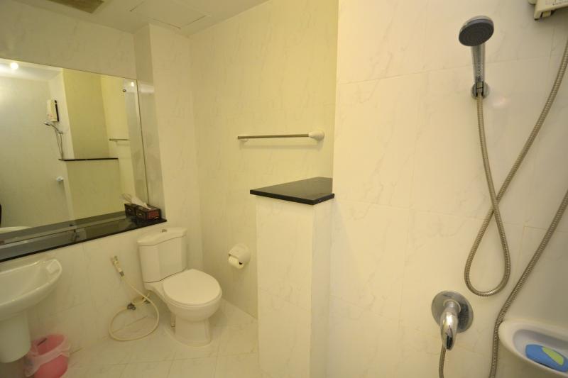 Photo Spacious 2 bedroom Condo For Sale near Patong Beach, Phuket