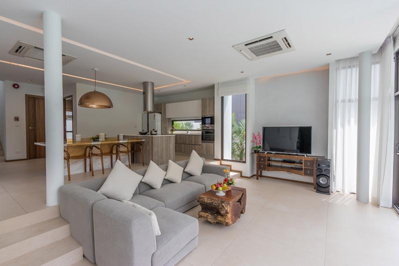 Photo Thailand-Phuket-Superb luxury pool villa for sale in Rawai