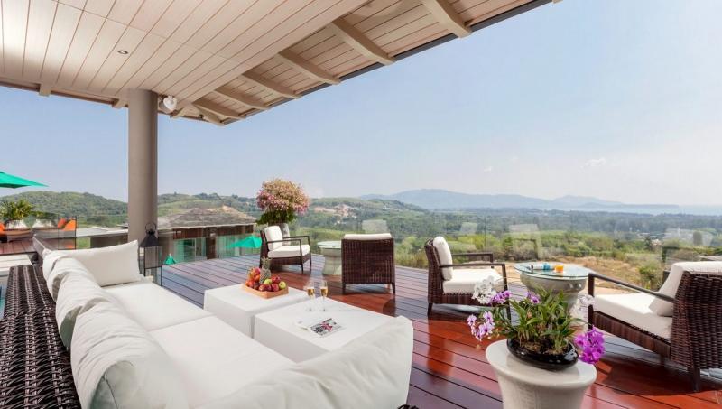 Photo Tropical Castle rental -18 Bedroom Deluxe Sea View Villa for Rent in Layan, Phuket