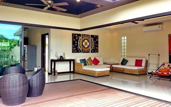 Photo Tropical pool villa for holiday rental in Nai Harn, Phuket, Thailand