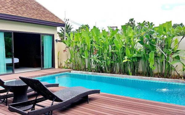 Photo Tropical pool villa for holiday rental in Nai Harn, Phuket, Thailand