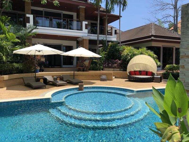 Photo Unique 18 Bedroom pool villa and Spa for sale in Kathu