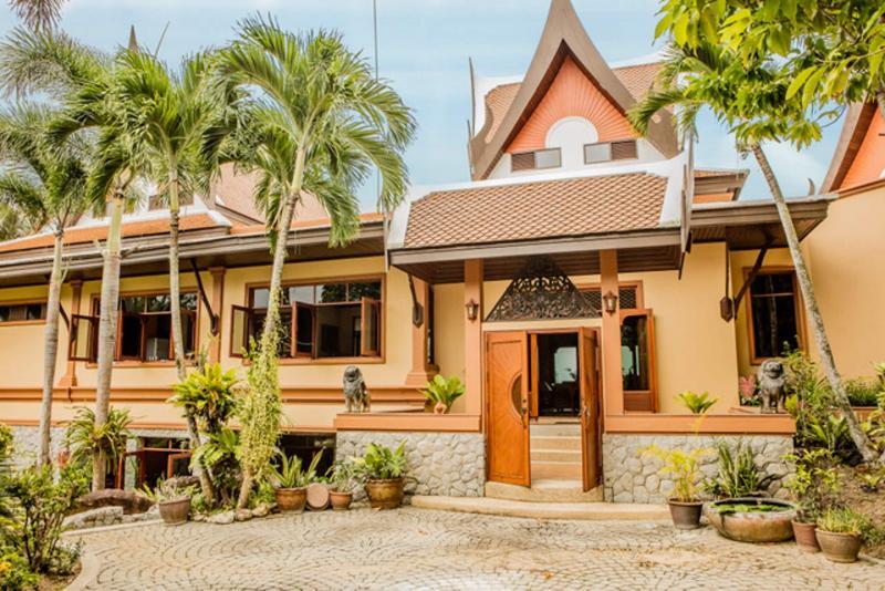 Photo Vichuda Hills Luxury Thai-Style Villa for sale in Layan Beach, Phuket
